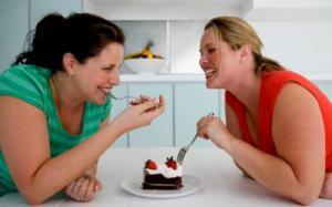 Женщины более склонны к полноте