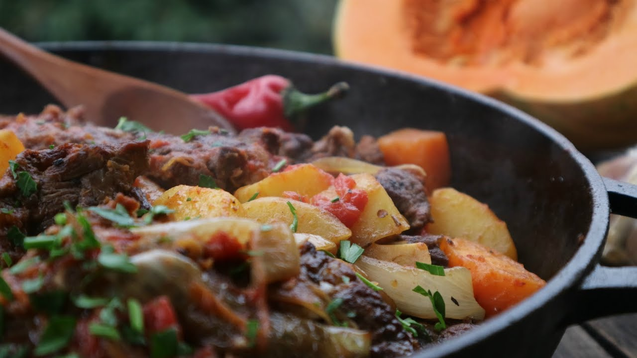 Мясо с тыквой и томатами
