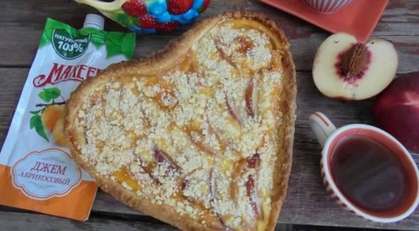 Нектариновый пирог с абрикосовым джемом, пошаговый рецепт с фото
