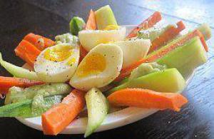 Почему поздние ужины приводят к лишнему весу