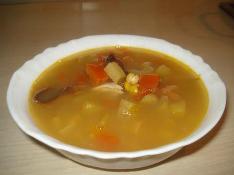 Гороховый суп с яблоками и черносливом