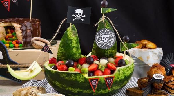 Корабль из арбуза с фруктовым салатом, пошаговый рецепт с фото