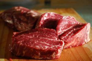 Свинина или говядина: какое мясо лучше употреблять, чтобы избежать онкозаболеваний
