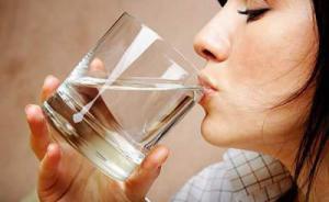 Врачи рассказали, сколько нужно потреблять жидкости в день