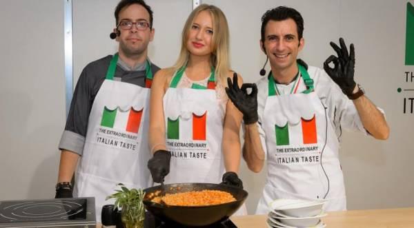 Итальянцы устроили кулинарное шоу на World Food Moscow