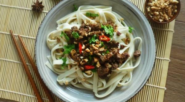 Азиатская хрустящая говядина с лапшой, пошаговый рецепт с фото
