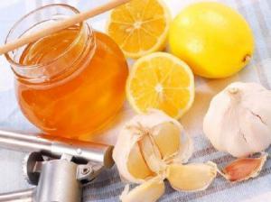 Семь причин есть натощак чеснок и медСемь причин есть натощак чеснок и мед