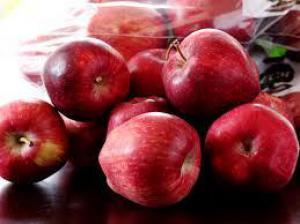 Медики назвали еще одно полезное свойство яблок