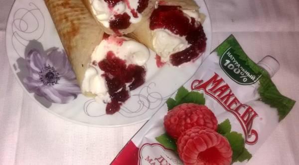 Вафельные трубочки с мороженым и малиновым джемом, пошаговый рецепт с фото