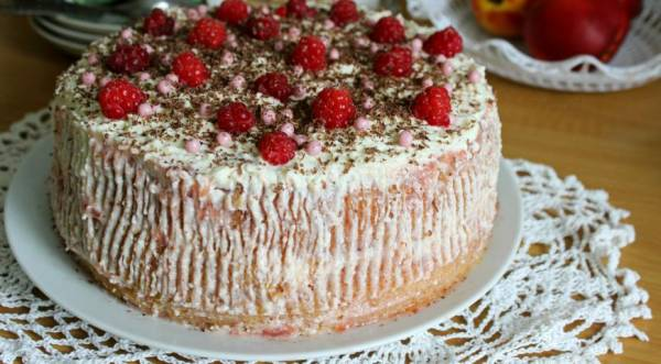 Торт с клубничным джемом и творожным кремом, пошаговый рецепт с фото