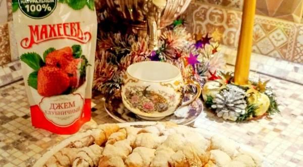 Новогодние рогалики с джемом от Махеевъ, пошаговый рецепт с фото