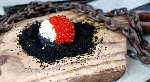«Пирожное» с икрой и белым шоколадом от Гиви Хатисова, пошаговый рецепт с фото