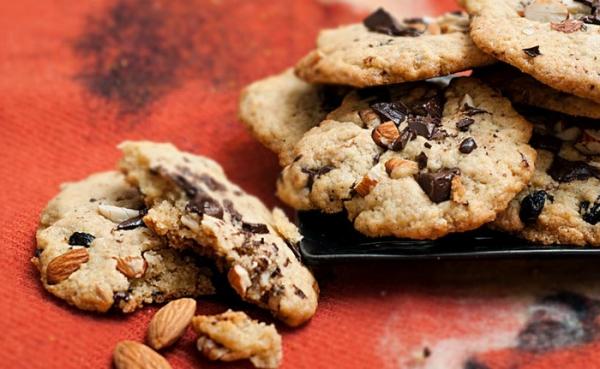 Домашнее печенье с миндалем и шоколадом
