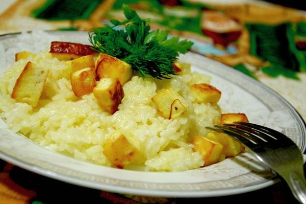 Шафрановый рис с сыром