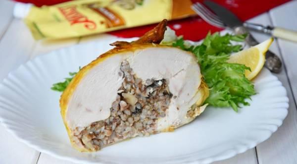 Запеченная курочка фаршированная гречкой и грибами, пошаговый рецепт с фото