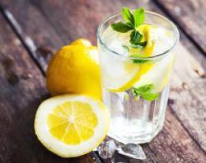 Ученые рассказали, как похудеть с помощью обычной воды