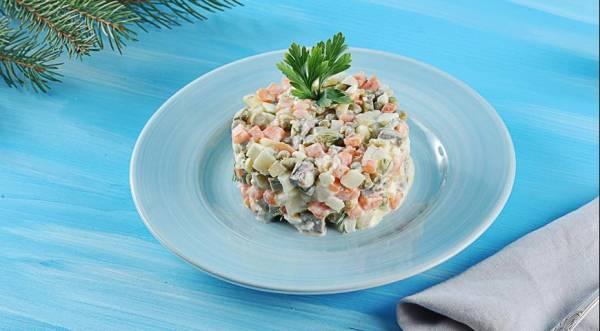 Салат «Oливье мясной», пошаговый рецепт с фото