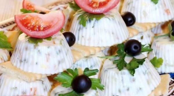 """Заливной салат """"Оливье"""" с горбушей, пошаговый рецепт с фото"""