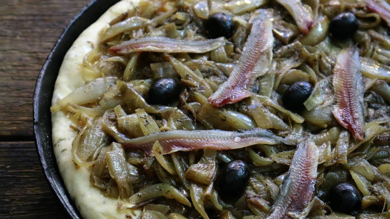 Французский луковый пирог «Писсаладьер»
