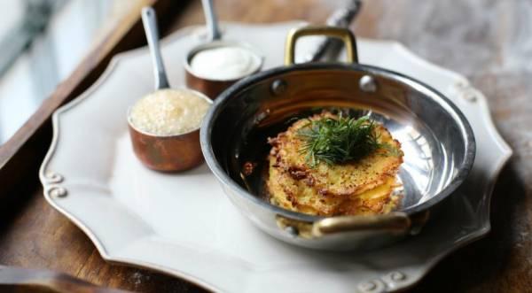 Картофельные оладьи с щучьей икрой , пошаговый рецепт с фото