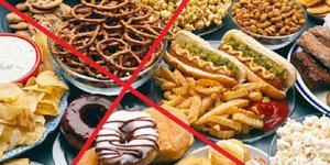 Названа самая вредная «уличная» еда