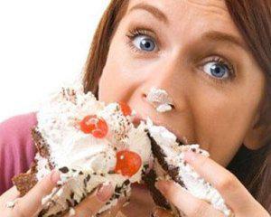 Названы основные причины, почему постоянно хочется есть