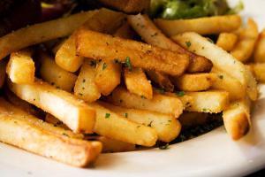 Смажена картопля небезпечна для здоров'я: медики пояснили чому