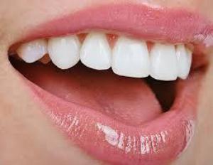 Фруктовый чай и чипсы с уксусом разъедают зубную эмаль
