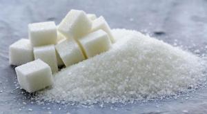 Почему не стоит исключать сахар из рациона: советы диетолога