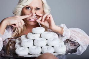 Спортивный диетолог подсказал, как исключить сладкое из рациона