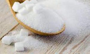 Названы опасные последствия переизбытка сахара в рационе