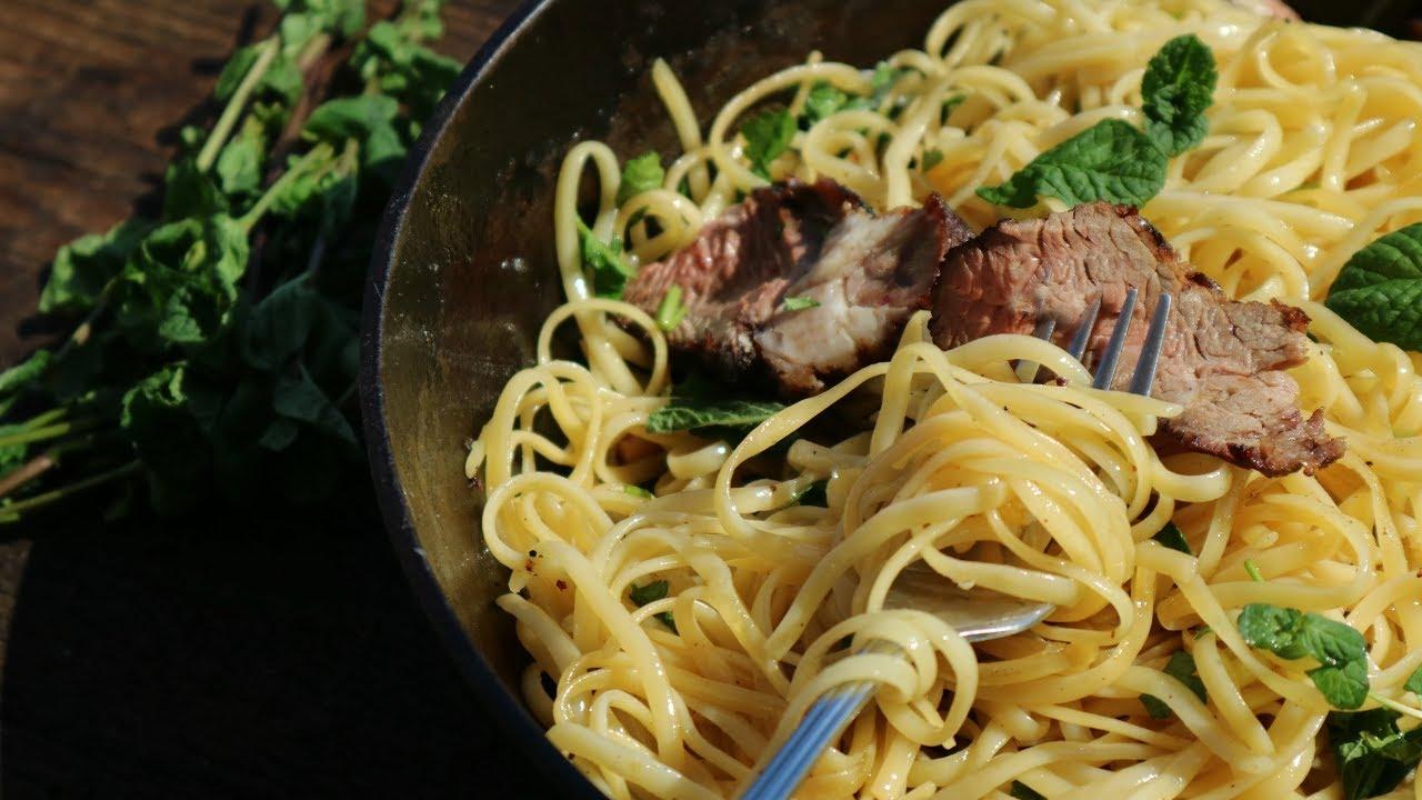 Говядина гриль со спагетти