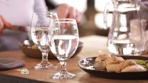 Диетологи разрешили пить воду во время еды