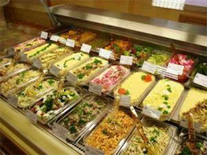 Названы основные опасности употребления готовых блюд из супермаркета