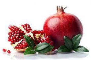 Специалисты перечислили фрукты и ягоды, которые полезно есть вместе с косточками