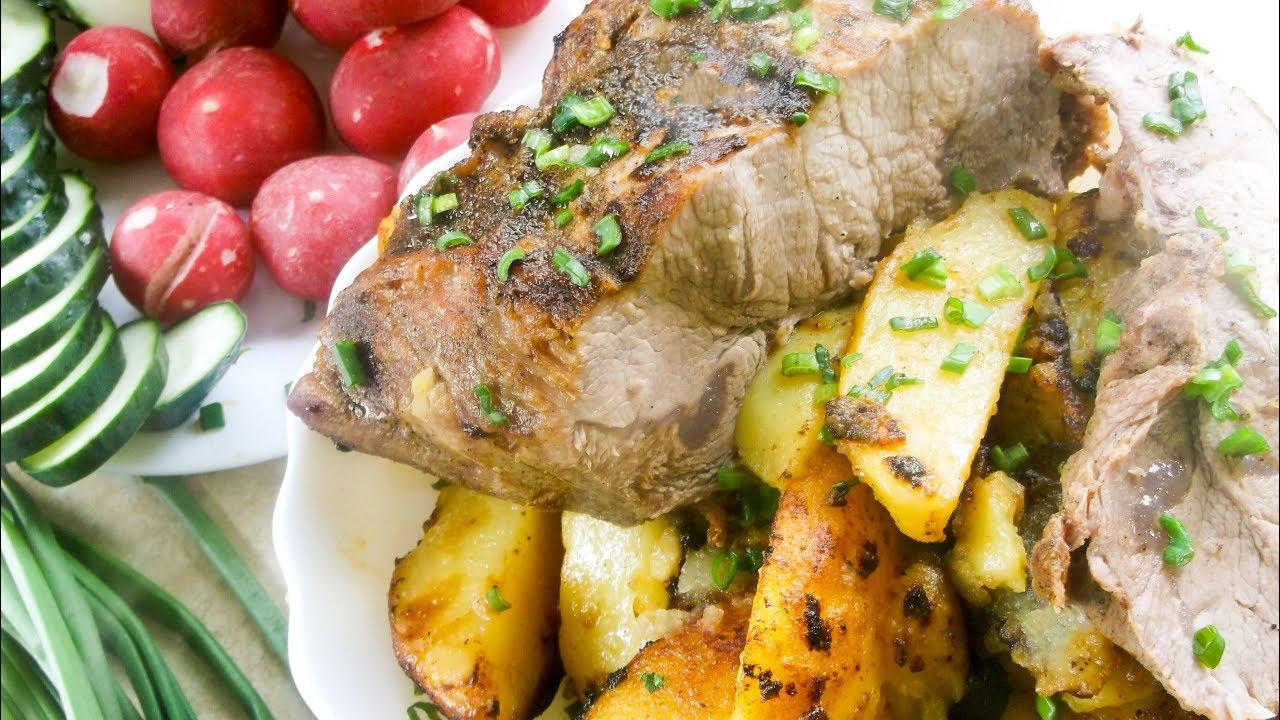 Свинина с картофелем на сковороде