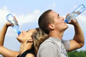 Эксперты назвали лучший способ употребления воды