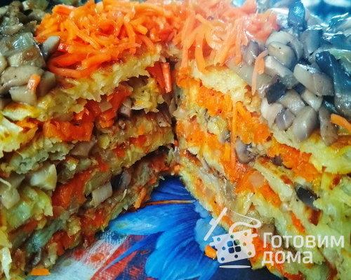Картофельный торт с грибами и морковью