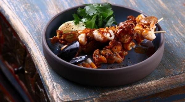 Шашлычки сатай с лисичками и морепродуктами