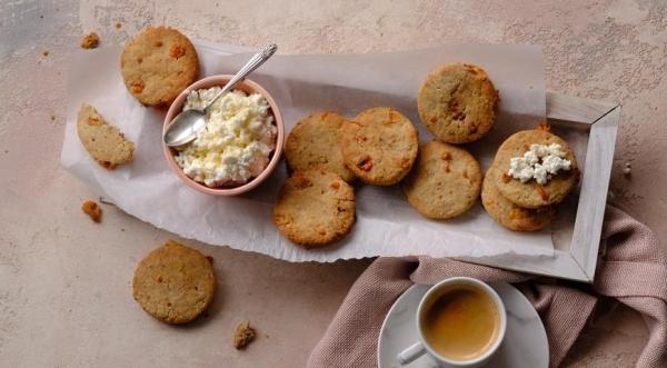 Печенье Голубой сыр с грецким орехом
