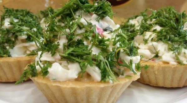 Новогодний салат «Елочки»