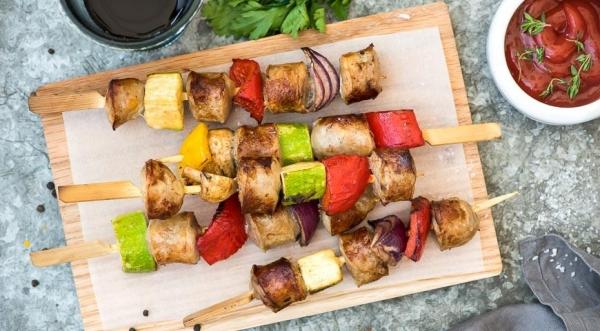 Летний шашлык с колбасками